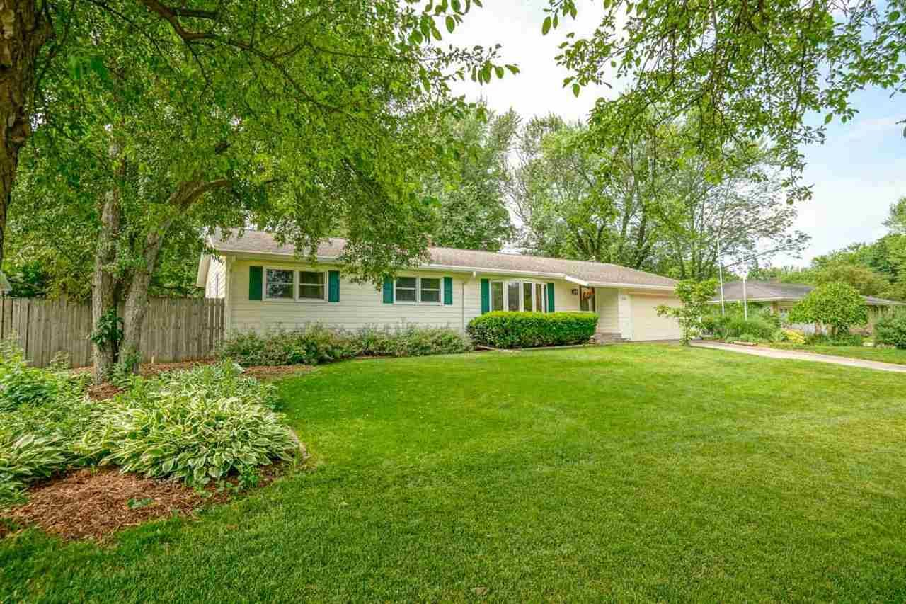 Photo for 5585 Cheryl Dr, Fitchburg, WI 53711 (MLS # 1911507)
