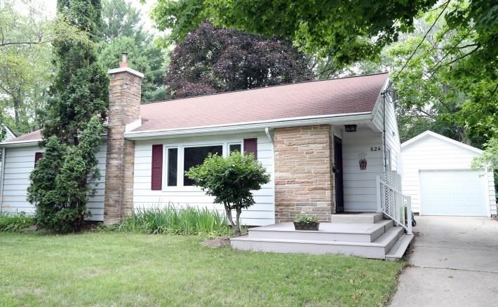 624 Orchard Dr, Madison, WI 53711 - #: 1914508