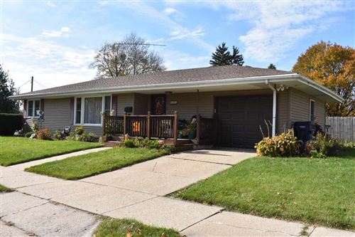 Photo of 1015 N Pine St, Janesville, WI 53548 (MLS # 1896510)