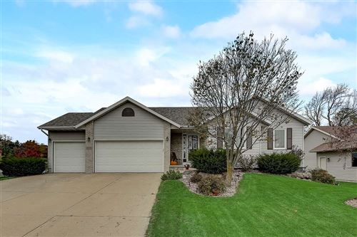 Photo of 695 Stonebriar Ln, Oregon, WI 53575 (MLS # 1895511)