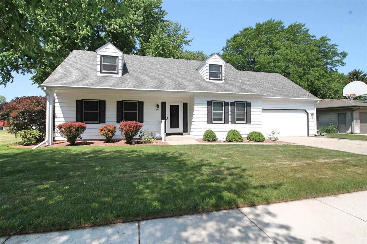 811 N Wright Rd, Janesville, WI 53546 - #: 1911511