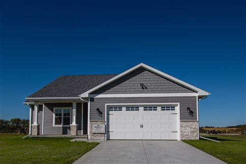 Photo of 440 Hickory St, Evansville, WI 53536 (MLS # 1863512)