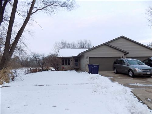 Photo of 703 HAWTHORNE AVE #703, Janesville, WI 53545 (MLS # 1899512)