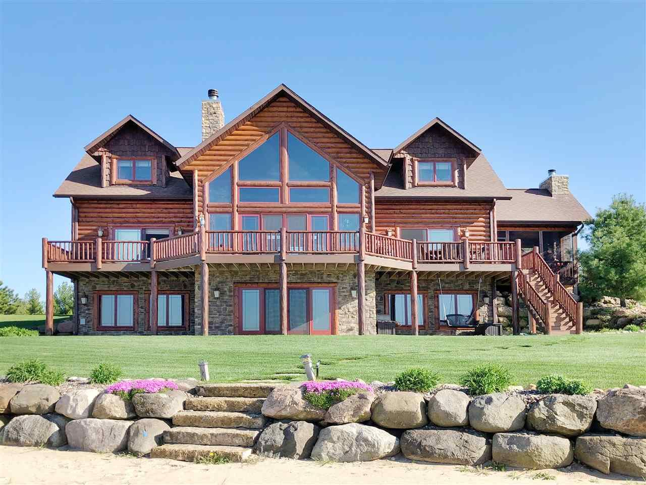 N8040 Clear Water Dr, New Lisbon, WI 53950 - #: 1877513
