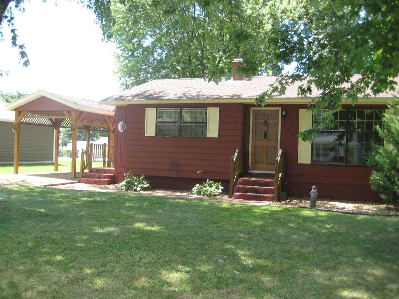 307 S Buchanan St, Prairie du Chien, WI 53821 - #: 1889513