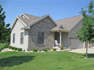 Photo of 716 Forest Edge Dr, Mazomanie, WI 53560 (MLS # 1862514)