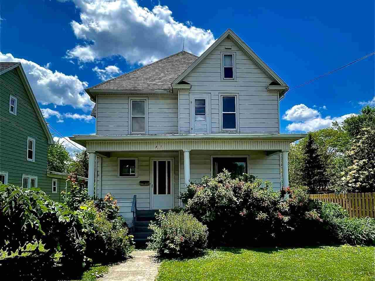 417 Haskell St, Beaver Dam, WI 53916 - #: 1910515