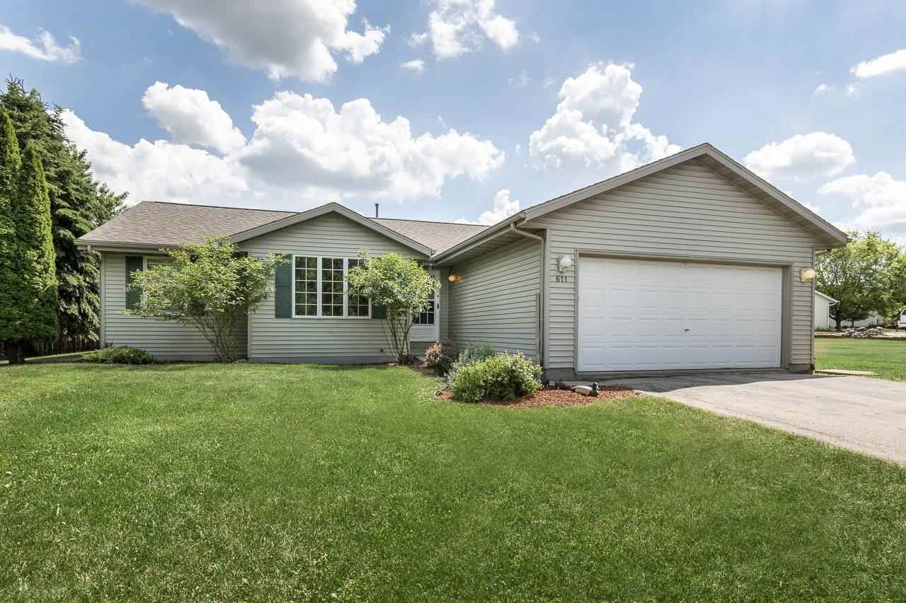 611 Woodberry St, Marshall, WI 53559 - #: 1909517