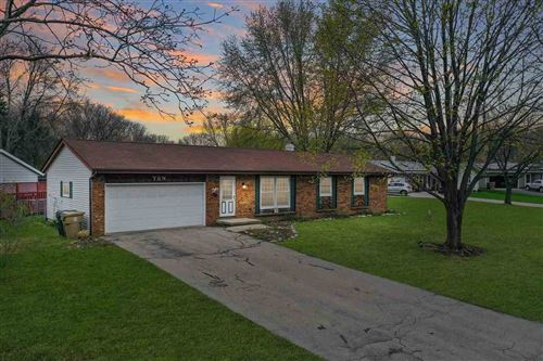 Photo of 10 Coffey Cir, Madison, WI 53716 (MLS # 1906518)