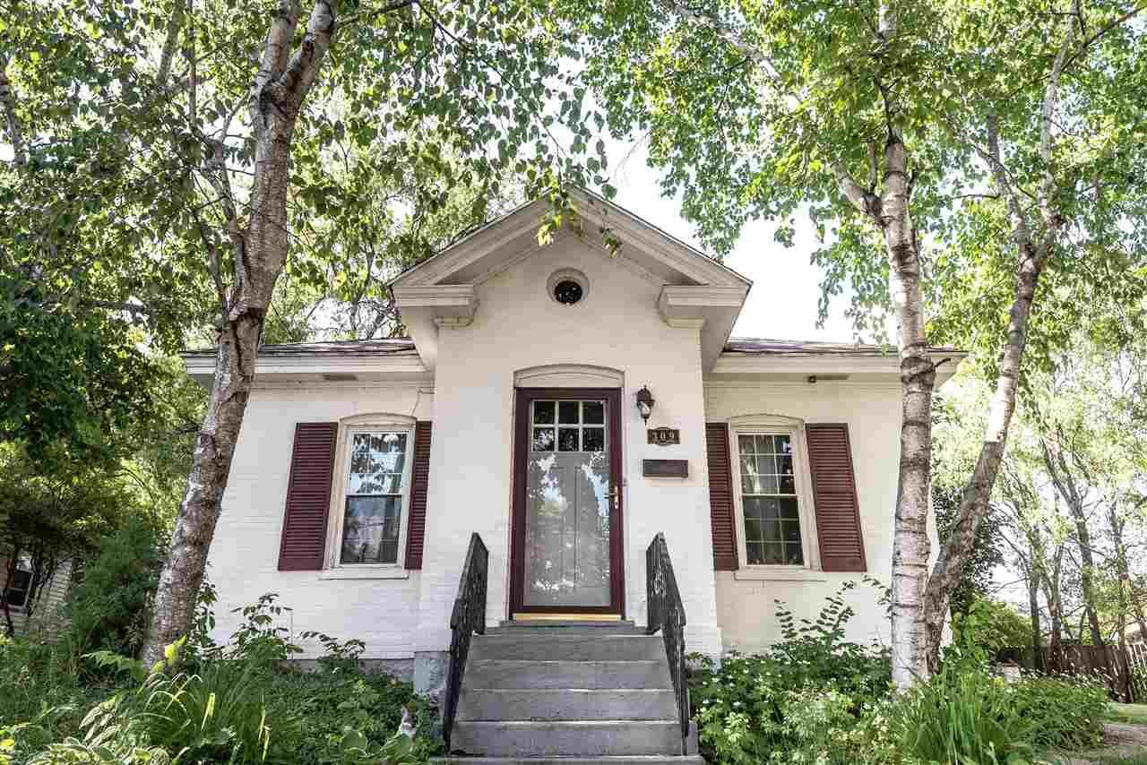 309 W Edgewater St, Portage, WI 53901 - #: 1909518