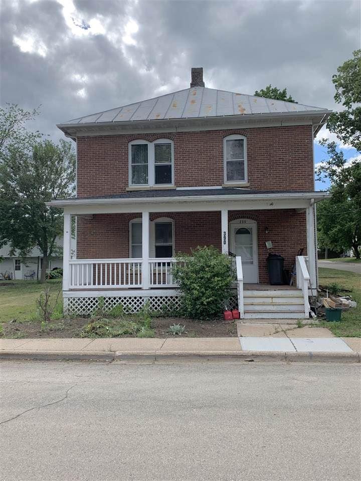 390 N 3rd St, Platteville, WI 53818 - #: 1912518