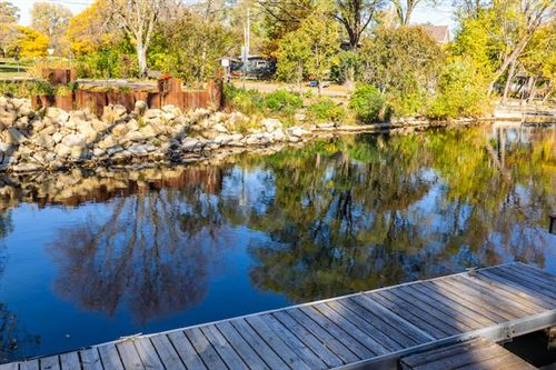 Photo of 5200 Lake Mendota Dr, Madison, WI 53705 (MLS # 1895519)