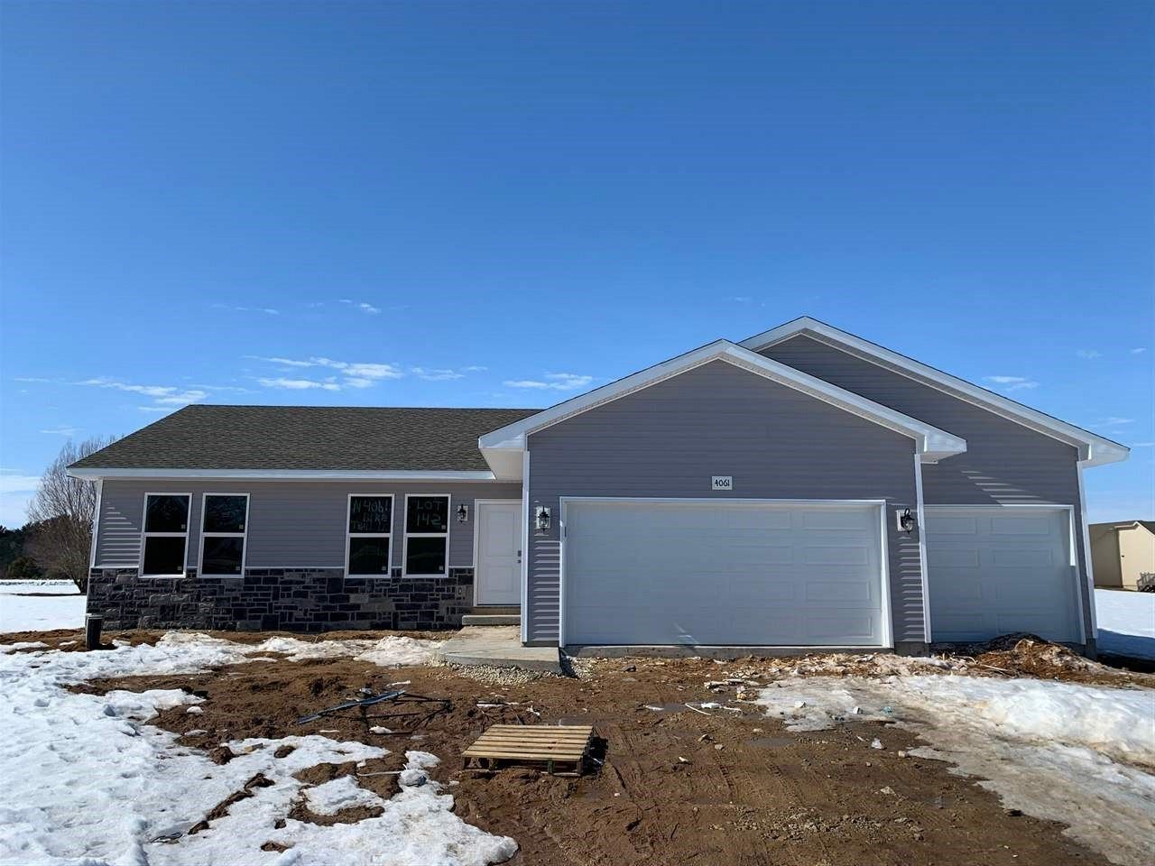 f_1903519 New Construction Homes in Brodhead