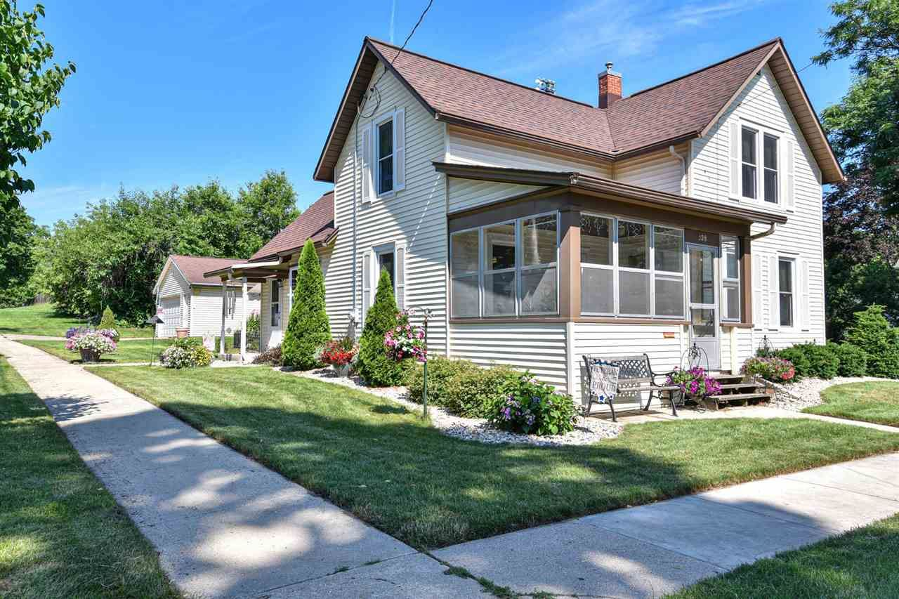 528 East St, Fort Atkinson, WI 53538 - #: 1913523