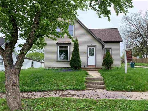 Photo of 718 Lake St, Baraboo, WI 53913 (MLS # 1875526)