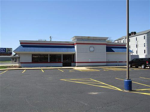 Photo of 400 W Centerway St, Janesville, WI 53548 (MLS # 1886526)