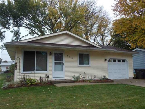 Photo of 950 E Prospect St, Lake Mills, WI 53551 (MLS # 1896526)