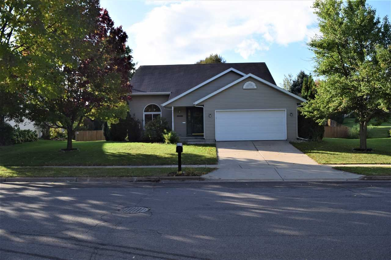 831 FOREST VIEW DR, Verona, WI 53593 - #: 1896530