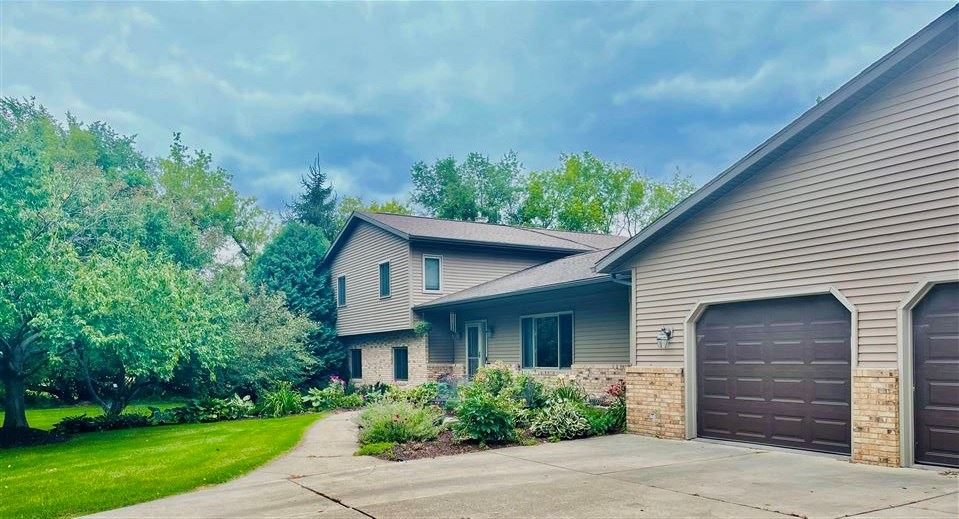 8449 Airport Rd, Middleton, WI 53562 - #: 1919530