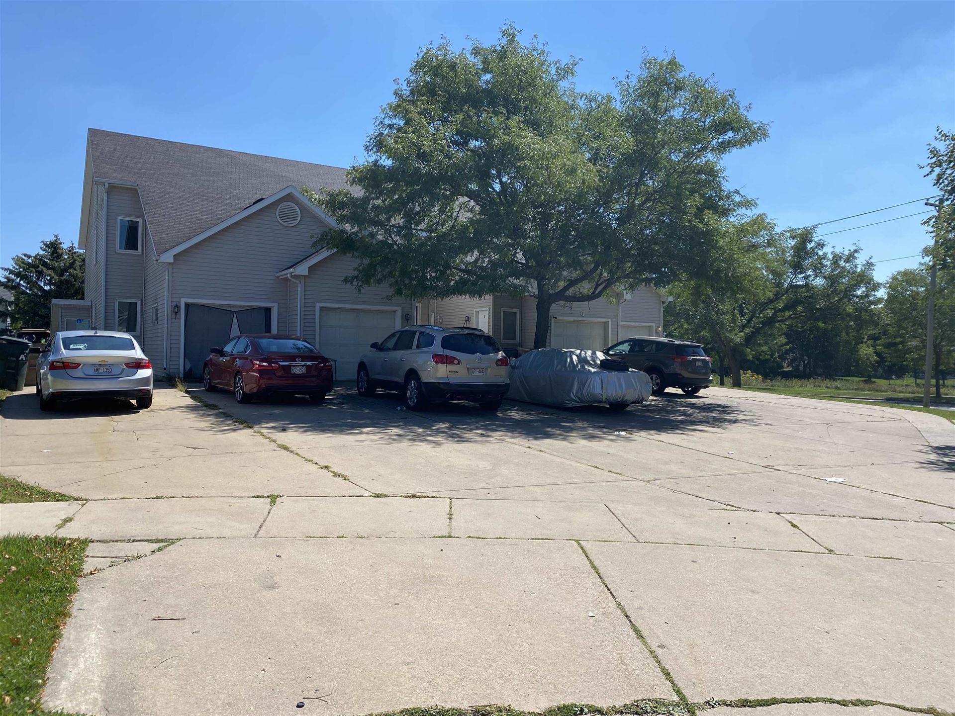 1 Woodridge Ct, Madison, WI 53704 - #: 1918532