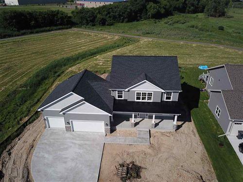 Photo of 4371 Eagle Ridge Ln, Windsor, WI 53598 (MLS # 1877533)