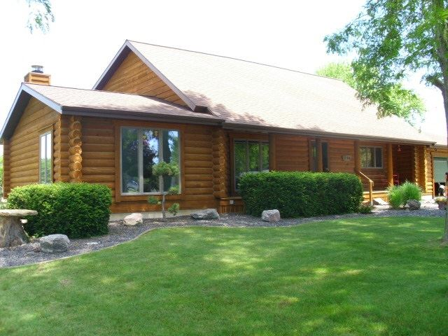 914 E Brownell St, Tomah, WI 54660 - #: 1889533