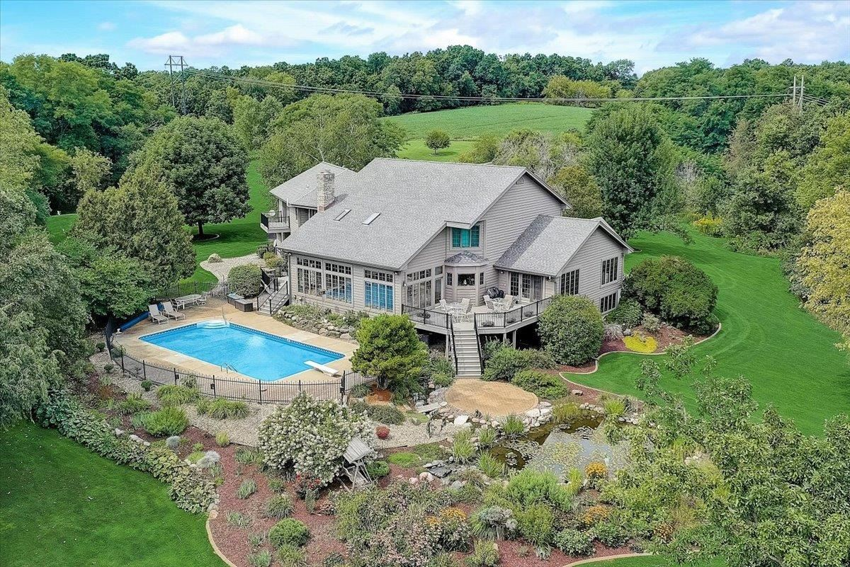 Photo for 4041 Observatory Road, Cross Plains, WI 53528-8815 (MLS # 1919538)