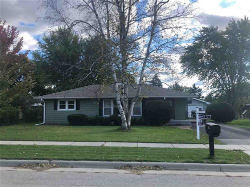 Photo of 512 Hillcrest Dr, Waunakee, WI 53597 (MLS # 1874539)