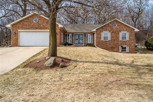 Photo of 1509 Camelot Dr, Janesville, WI 53548 (MLS # 1904543)