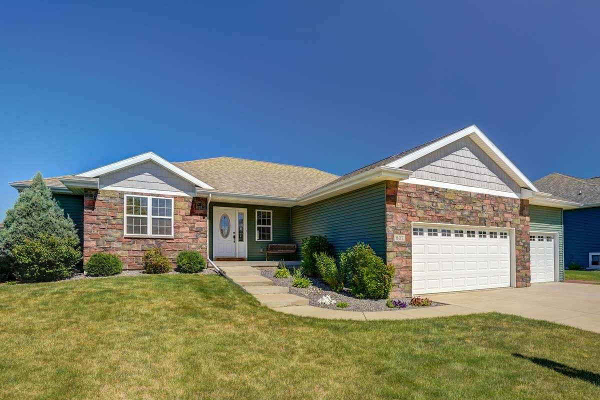 807 Mourning Dove Dr, Cottage Grove, WI 53527 - #: 1889544