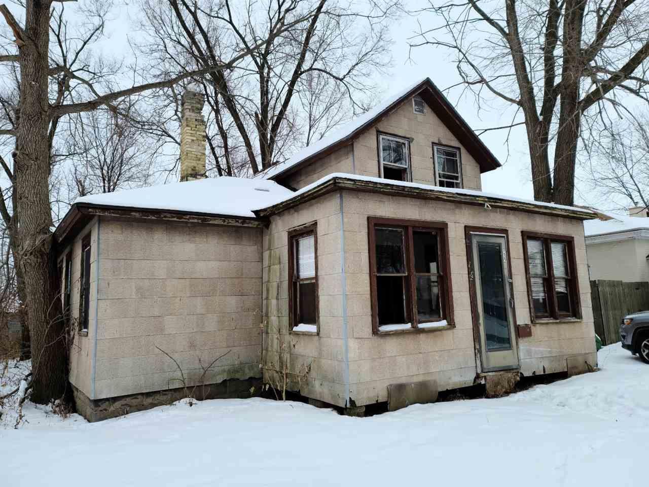132 E Burns St, Portage, WI 53901 - #: 1900545