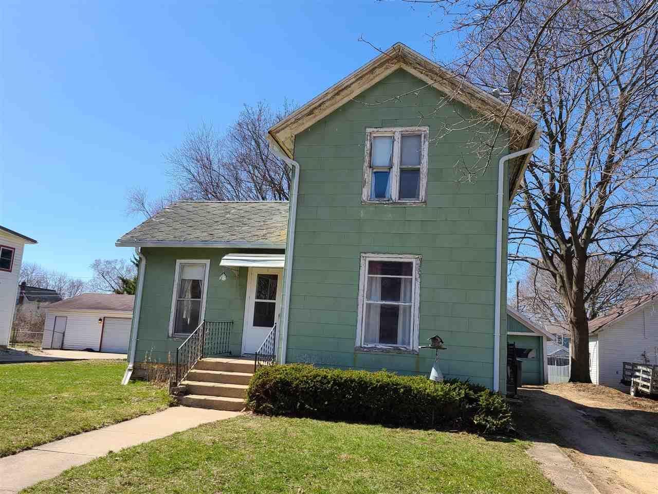 423 S 2nd St, Evansville, WI 53536 - #: 1905547