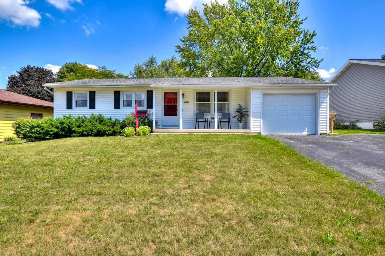 Photo for 4409 Kennedy Rd, Madison, WI 53704 (MLS # 1917547)