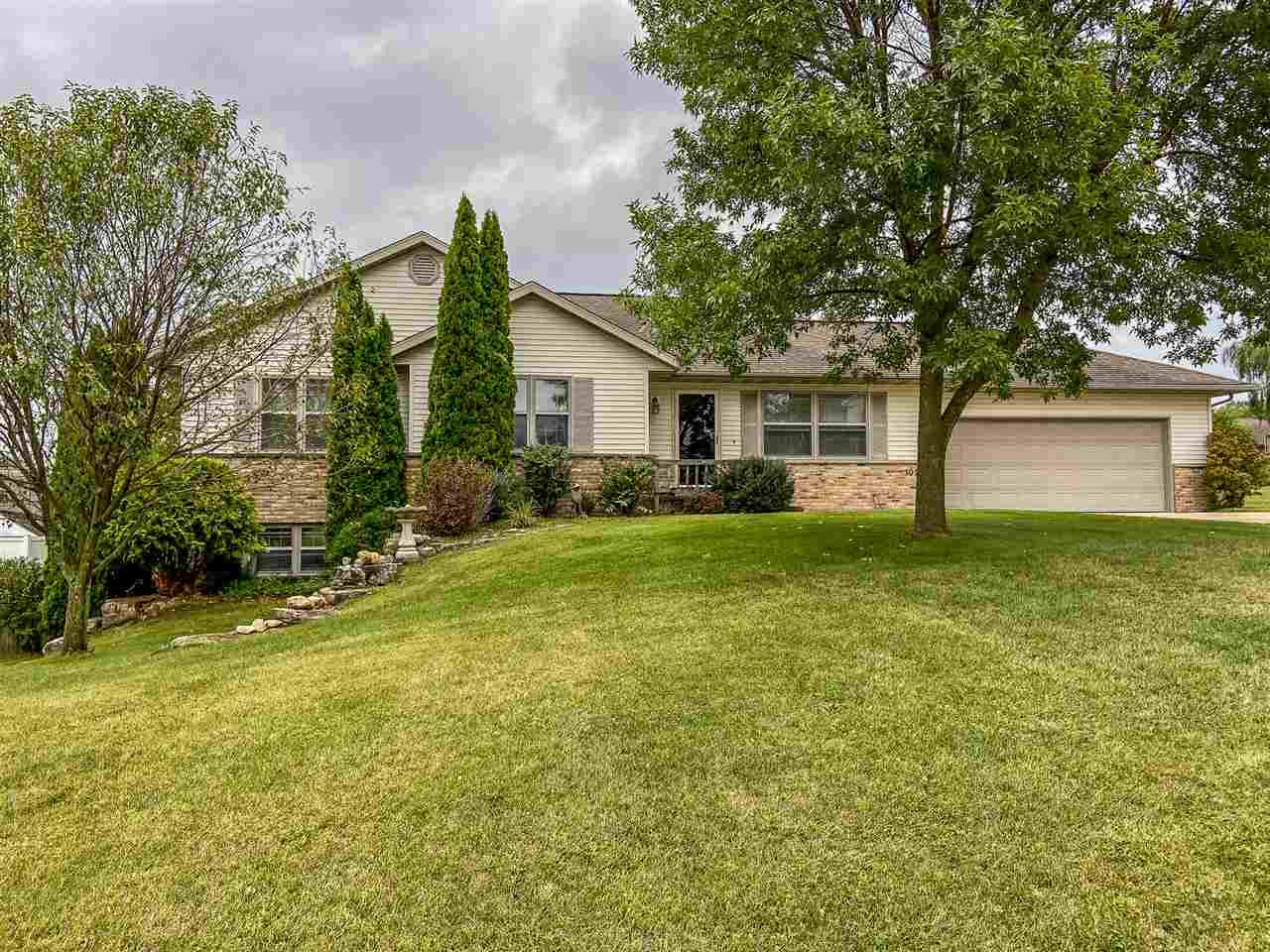 102 Partridge Ct, Beaver Dam, WI 53916 - #: 1892550