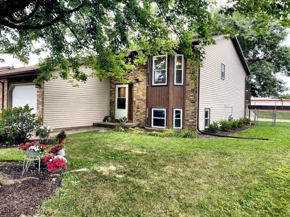 509 Old Indian Tr, De Forest, WI 53532 - #: 1916551