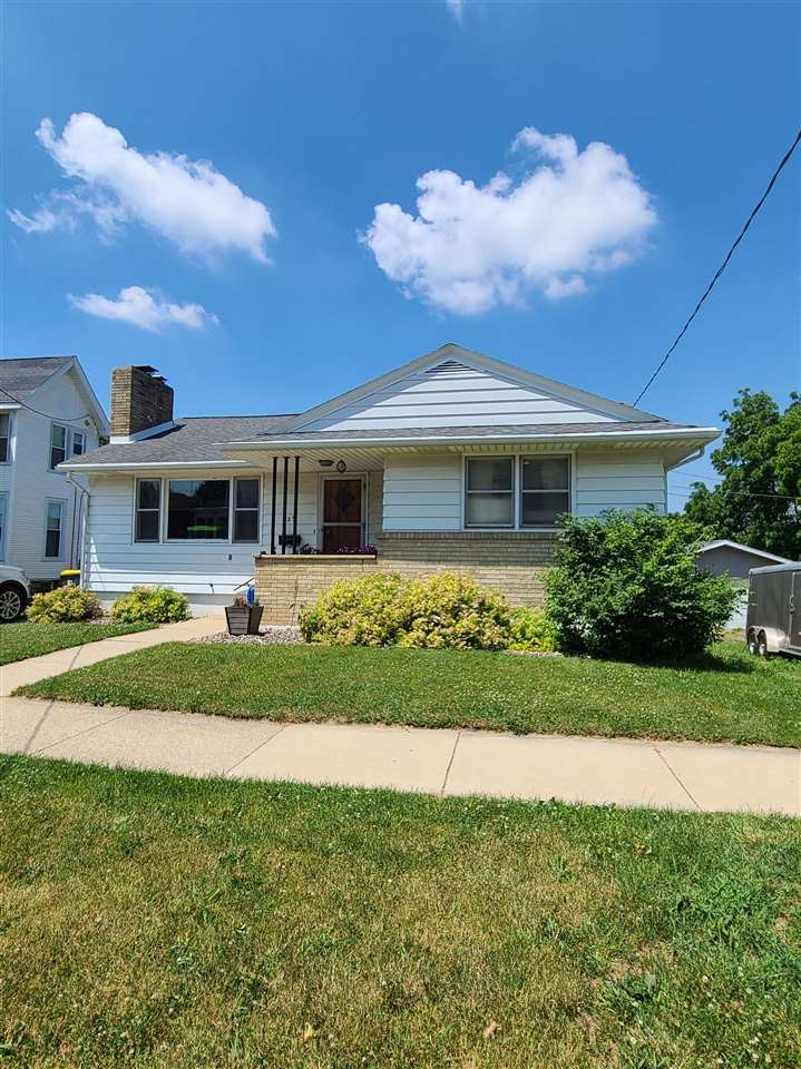 729 16th Ave, Monroe, WI 53566 - #: 1911552