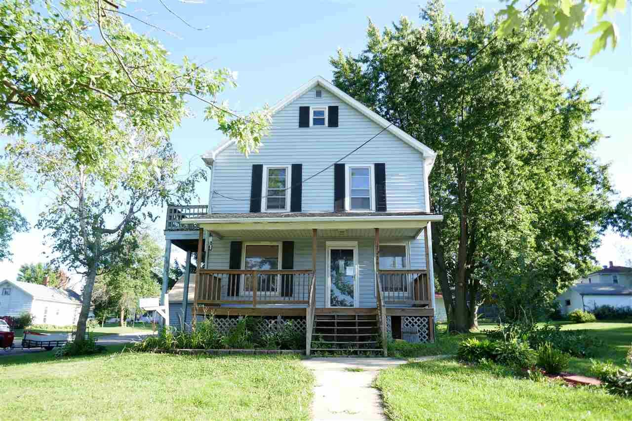 727 11th St, Monroe, WI 53566 - #: 1870553