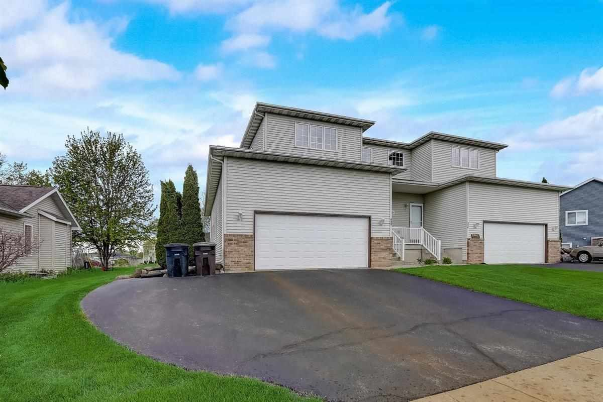 952 Reed St, Lake Mills, WI 53551-1383 - #: 1908554