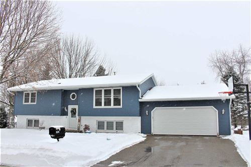Photo of 824 Lincoln Green Rd, DeForest, WI 53532 (MLS # 1875557)