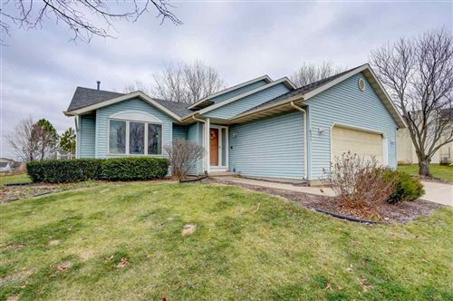 Photo of 621 Eaglewatch Dr, DeForest, WI 53532 (MLS # 1898560)
