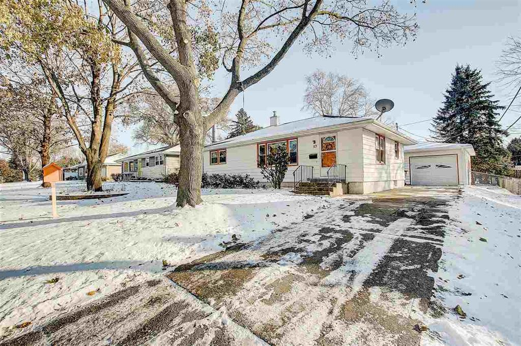 113 Acacia Ln, Madison, WI 53716 - MLS#: 1872562