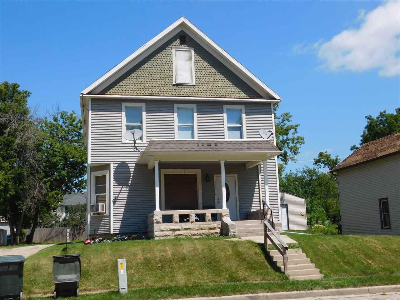 205 W Green St, Fox Lake, WI 53933 - #: 1891568
