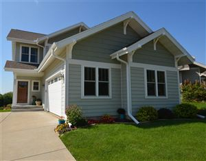 Photo of 802 Pine Hill Dr, Verona, WI 53593 (MLS # 1869574)