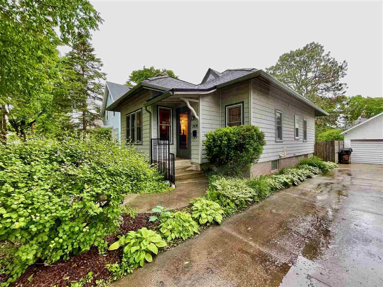 Photo for 2108 Keyes Ave, Madison, WI 53711 (MLS # 1910576)
