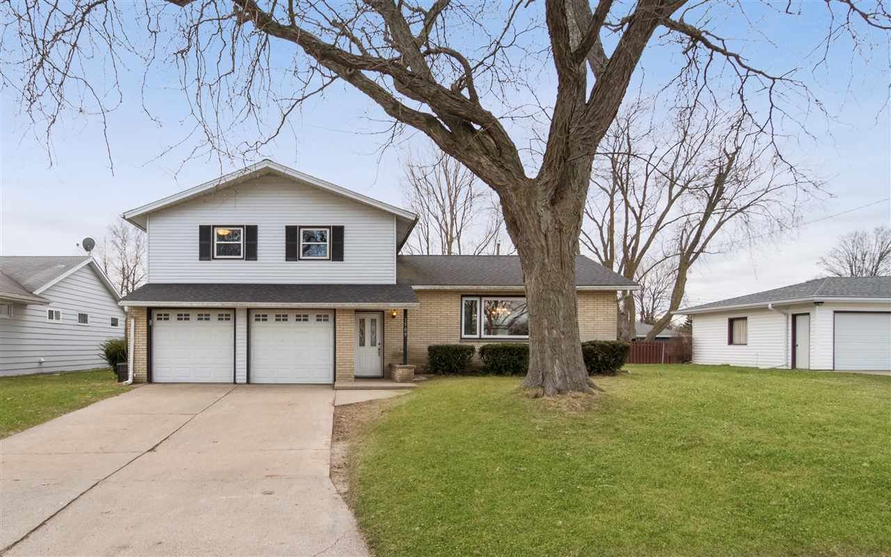 1509 30th Ave, Monroe, WI 53566 - #: 1880577