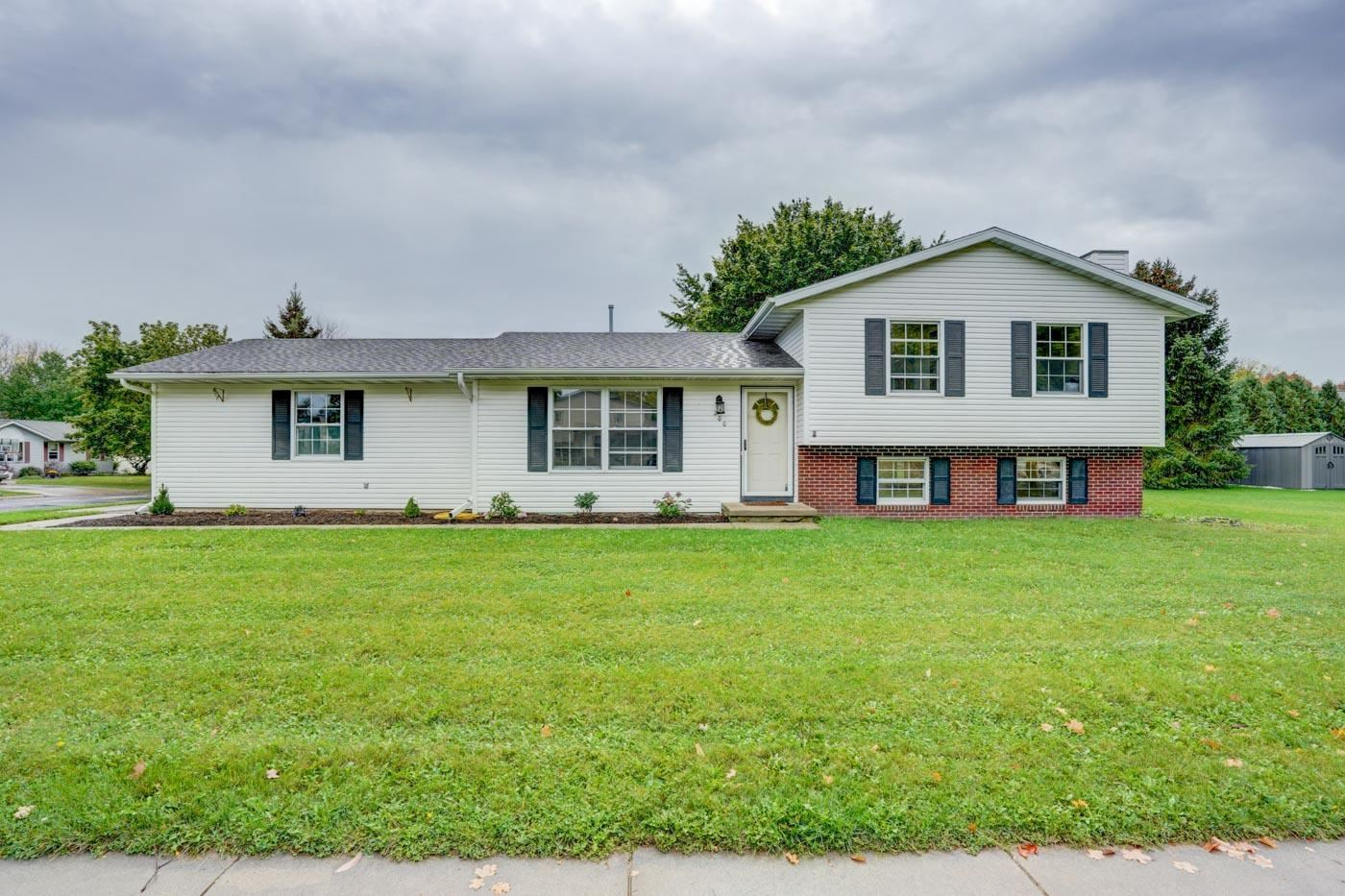 200 W Parkview St, Cottage Grove, WI 53527 - #: 1916580
