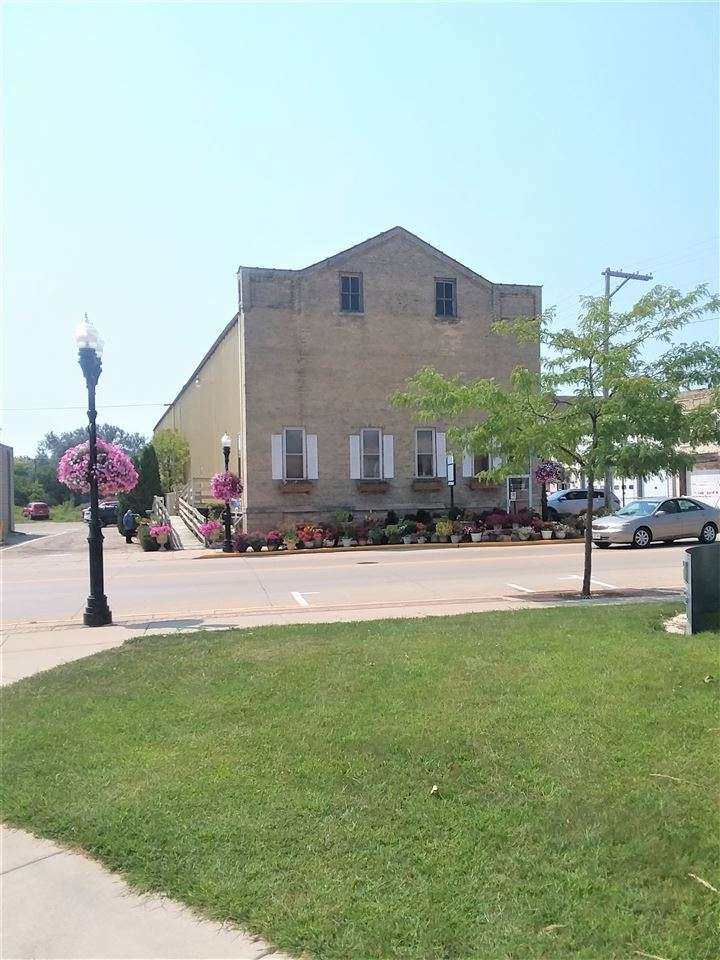f_1892584 Commercial Properties for in Sale Edgerton, WI