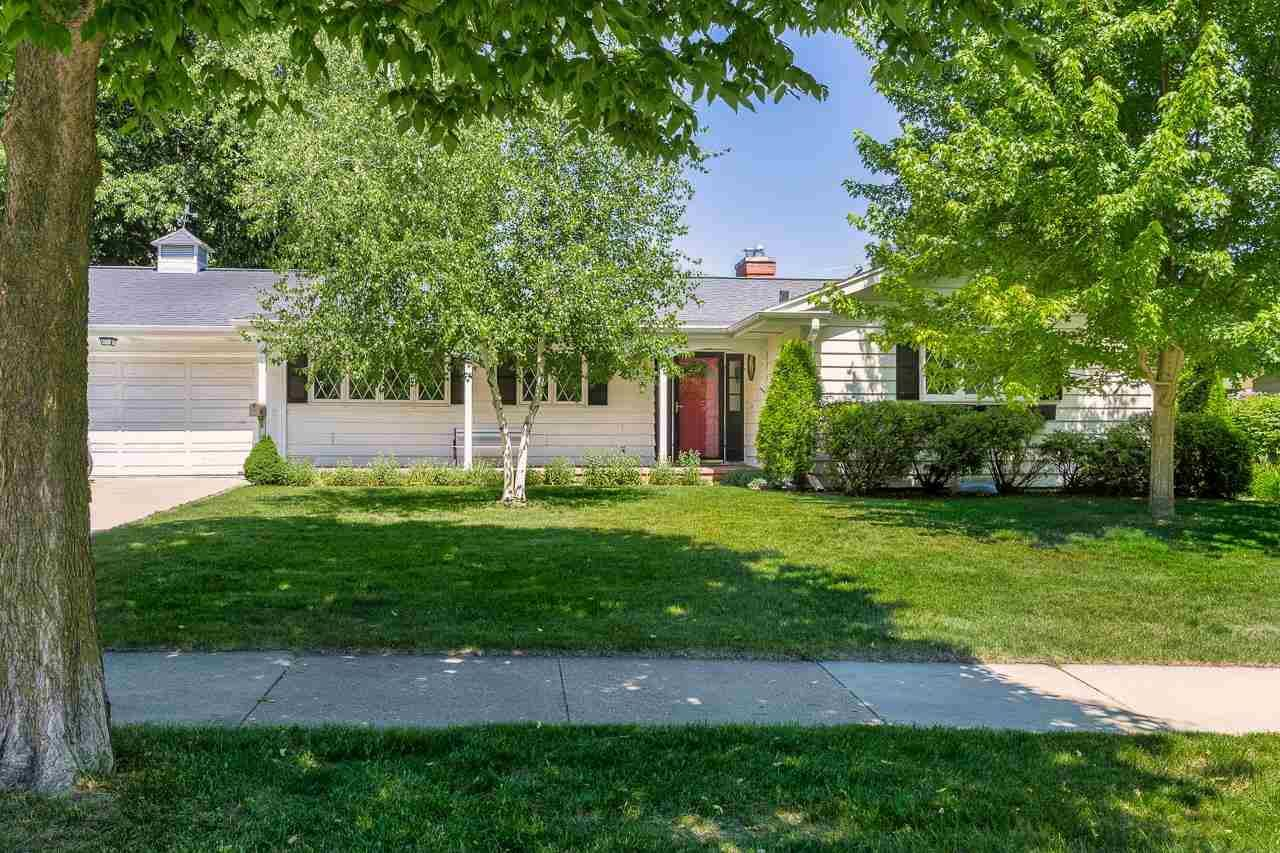 Photo for 126 Marinette Tr, Madison, WI 53705 (MLS # 1911585)