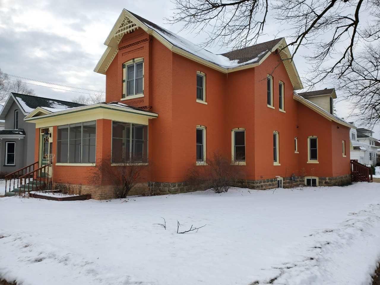 714 Cass St, Portage, WI 53901 - #: 1900586