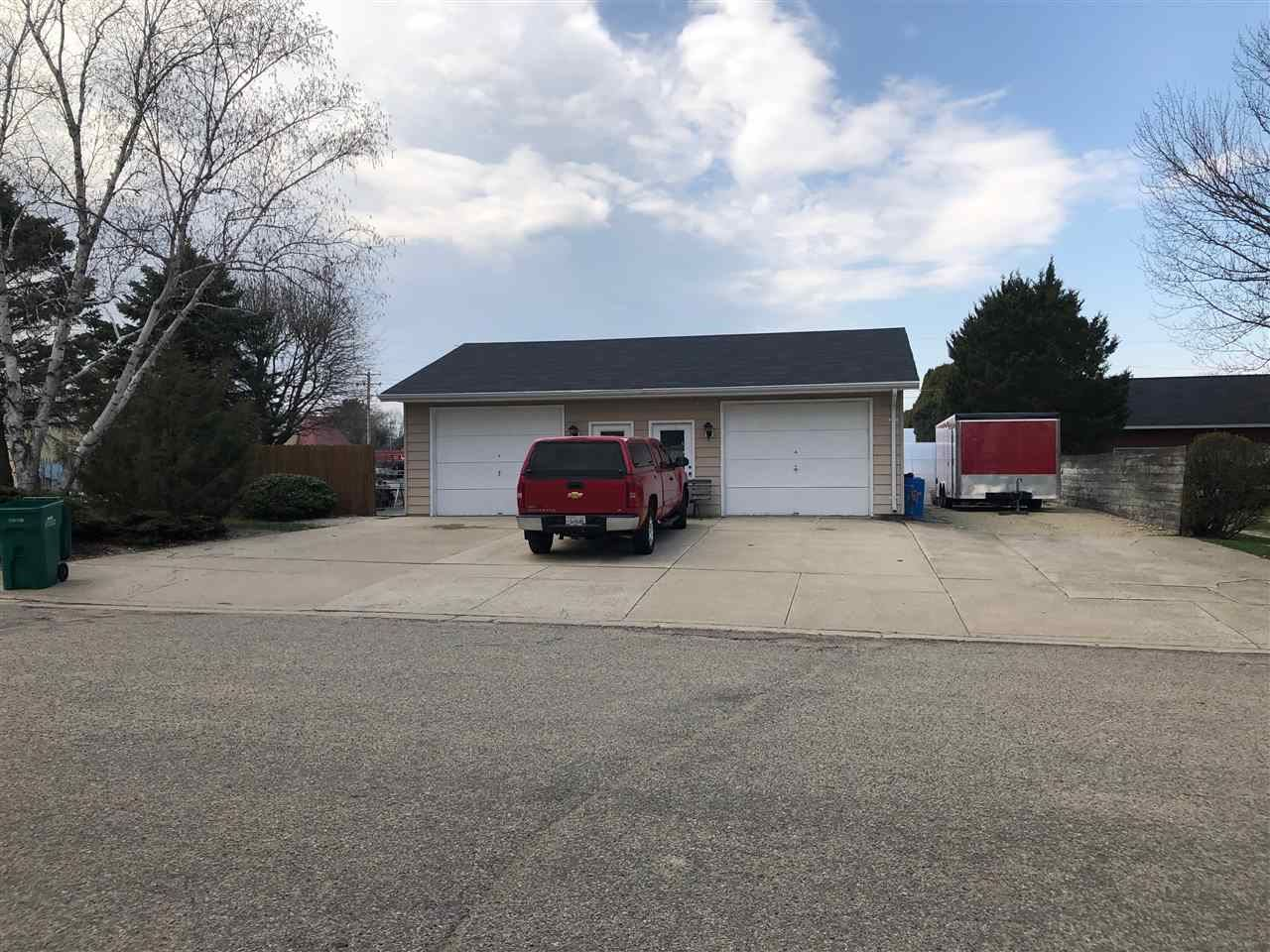 f_1881590_01 Commercial Properties for in Sale Edgerton, WI